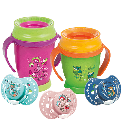 Five products for babies from LOVI - three soothers and two cups. All of them with a folky theme and colors green, pink, blue and mint.