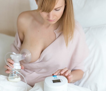Manual or Electric Breast Pump - Which One Should you Buy?